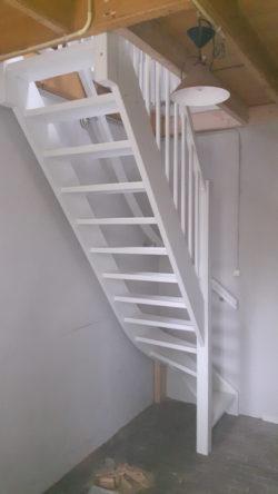 Kosten vaste trap naar zolder for Vaste trap laten plaatsen